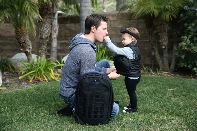 The Iconoclast Dad Bag truly brings masculine style, and functionality to the modern dad. Its specifically designed by a modern dad for modern dads, no diaper bag on the market can compete with its masculine style, or functionality.
