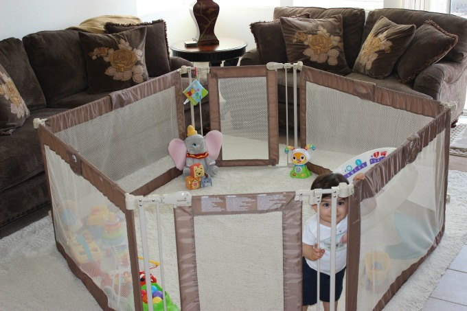 The Summer Infant Custom Fit Walk - Thru Gate is great for giving small kids room to play and explore.