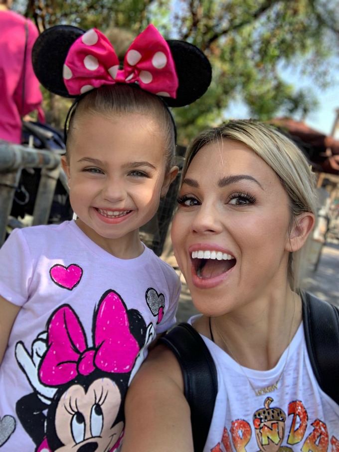 mom and daughter at Disneyland
