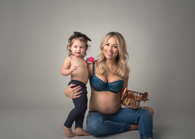 Jessica Hall pregnant