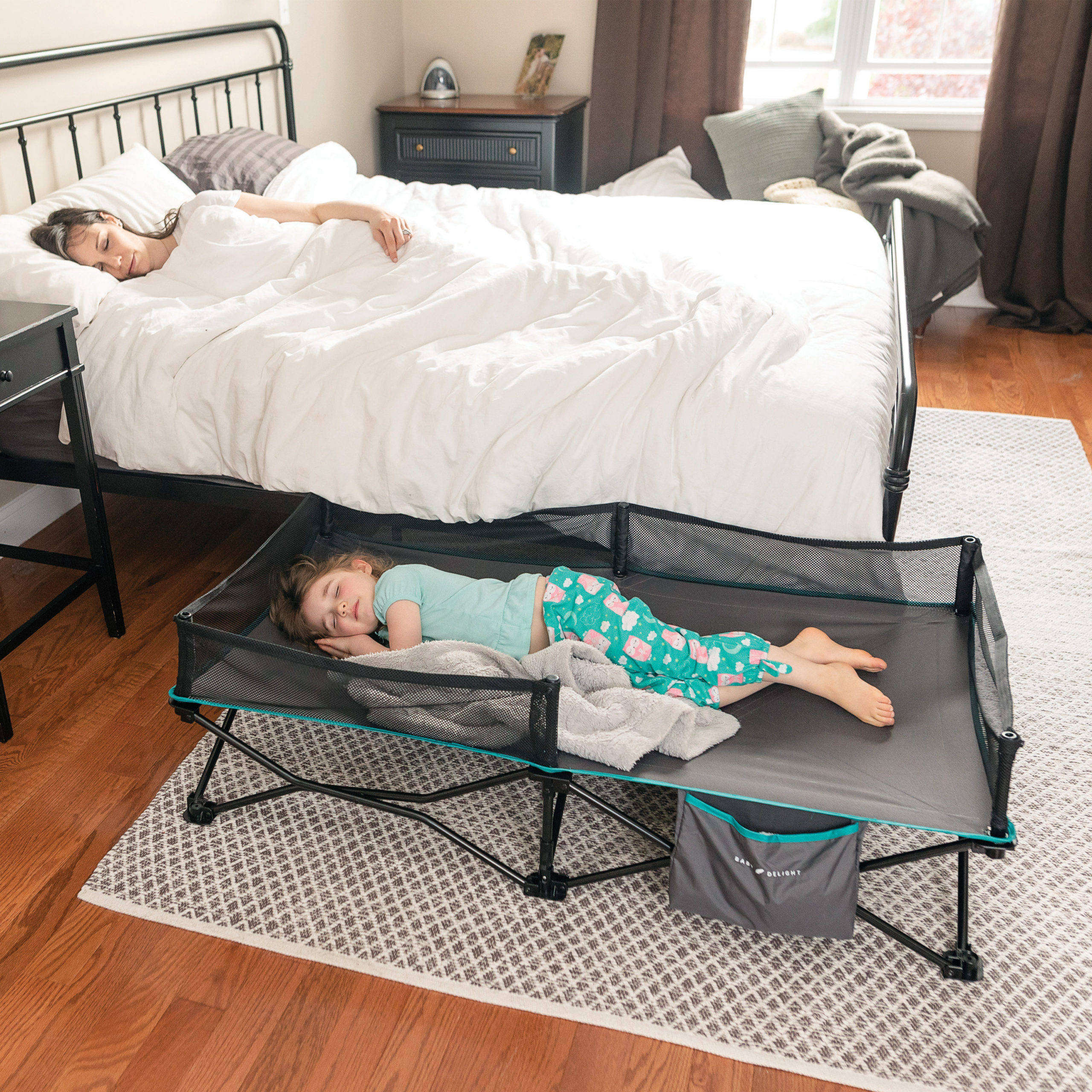 Bungalow Portable Cot