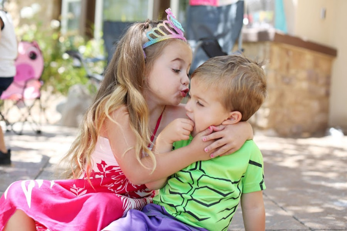 Sophie kissing Jake